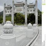 http://www.hongkongreis.nl/wp-content/uploads/2014/07/Po-Lin-Klooster-40276-752x1024.jpg